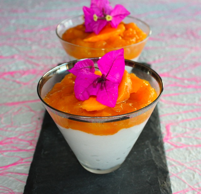... snow and sun in a glass – Yogurt mousse with mango vanilla compote
